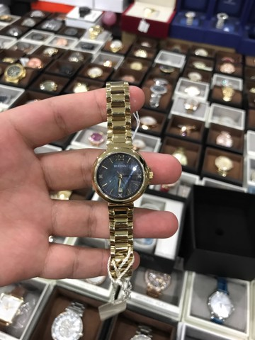 BULOVA Diamond Gallery Black Mother of Pearl Dial Yellow Gold-plated Ladies Watch 97P107