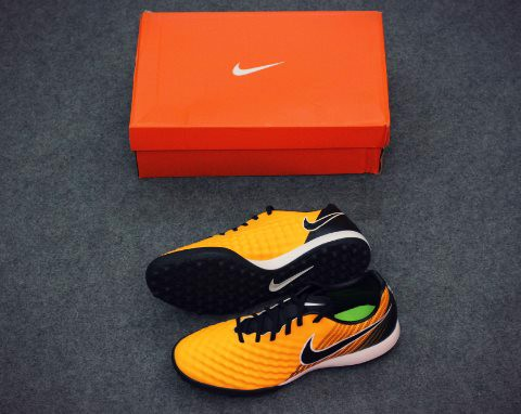 Nike MagistaX Onda II TF Lock in. Let loose. - Laser Orange/Black/White