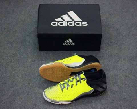 ADIDAS ACE 16.2 COURT IN VOLT/BLACK
