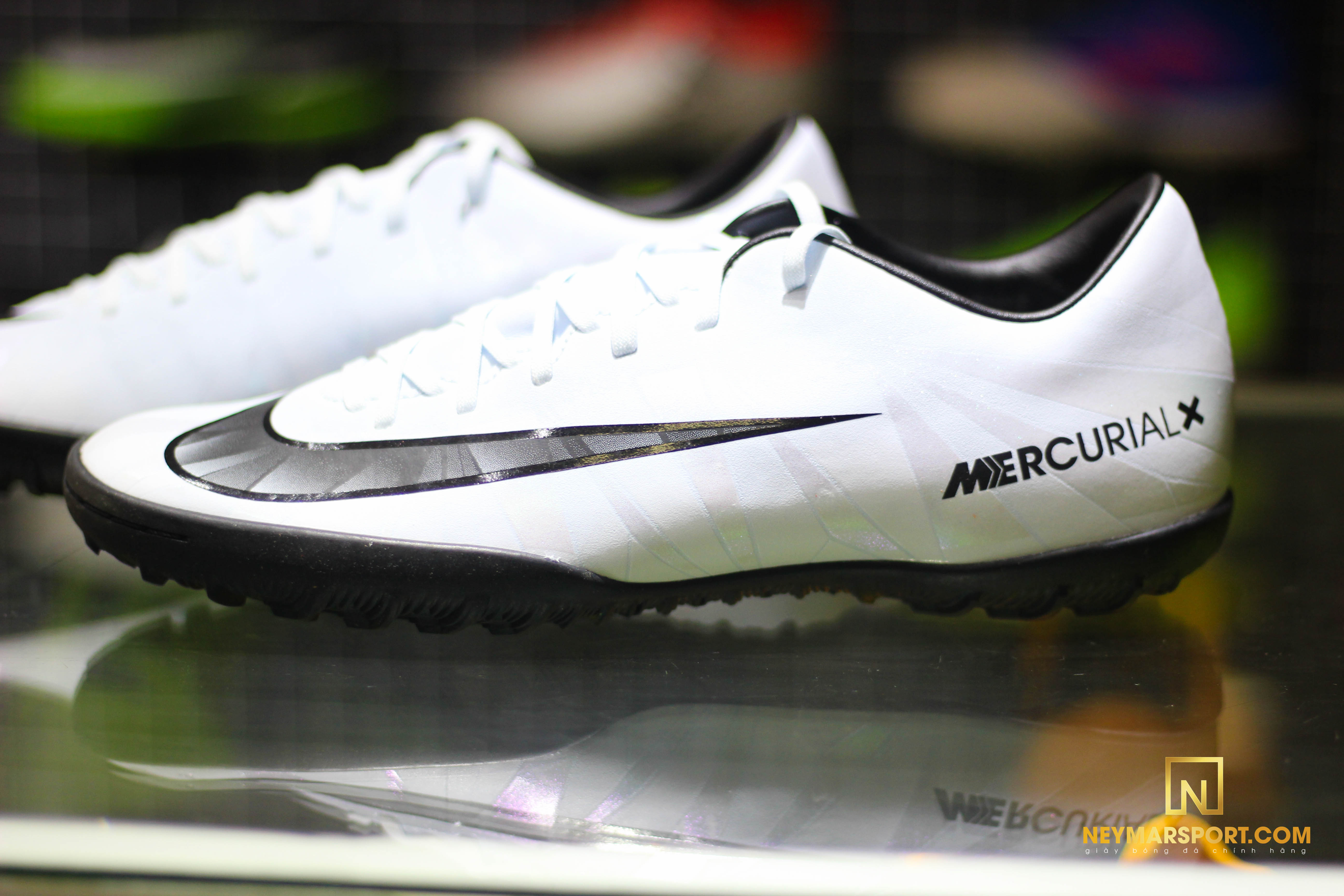 2bff0bc8780 ... chắc chắnNike MercurialX Victory VI CR7 Chapter 5  Cut to brilliance TF  - Blue Tint Black White là 1 sự lựa chọn không thể bỏ qua của các Fan CR7.