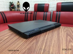 DELL ALienWare 17R4 Core i7-6700HQ 16GB 256GB + 1TB GTX1070 17.3FHD