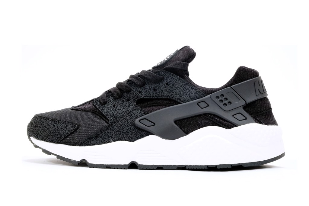NIKE AIR HUARACHE - BLACK