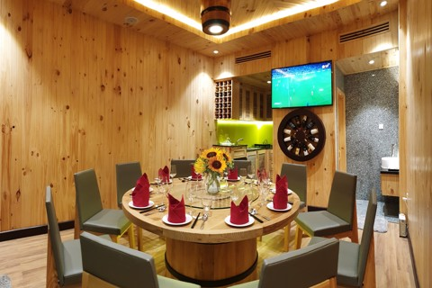 VIP CHAM LUXURY DINING ROOMS