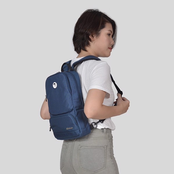 The Betty Slingpack Navy