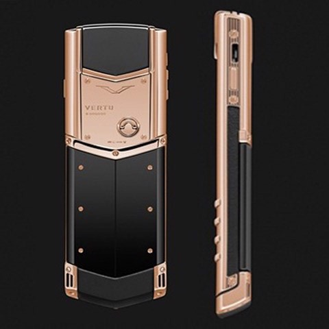 Vertu Signature S White Gold, Black Ceramic Back, Black Leather