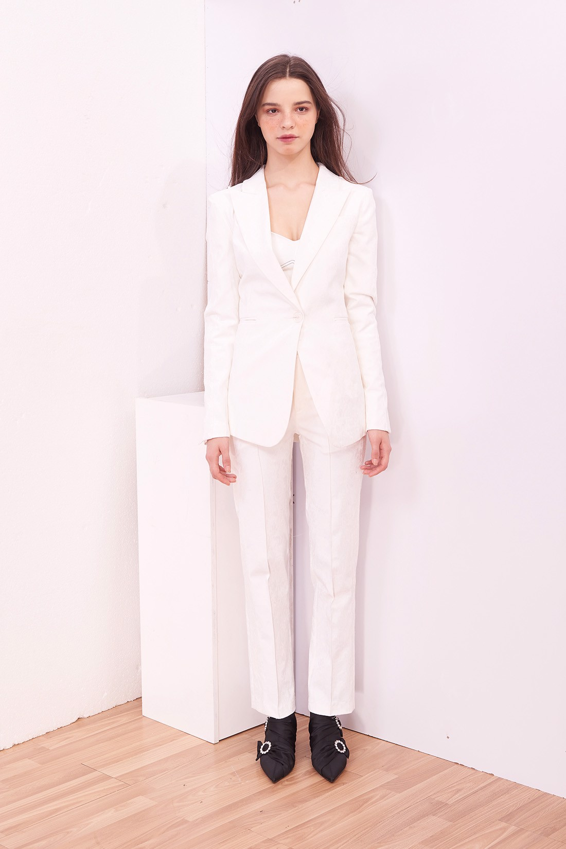 Lace line White Brocade Trouser