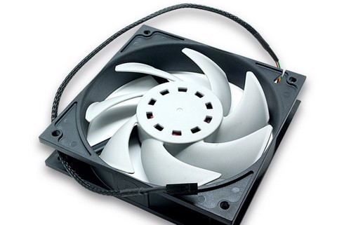 EK-Vardar F2-120 (1450rpm) - Best Fan for Water Cooling