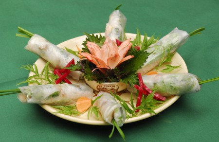 Fresh springrolls with shrimp and pork
