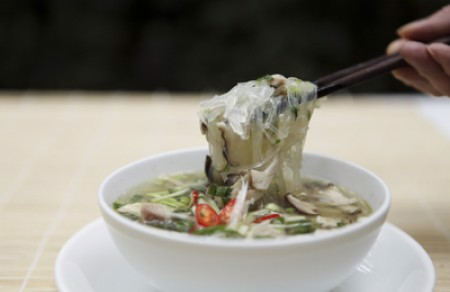 Glass noodle soup with chicken