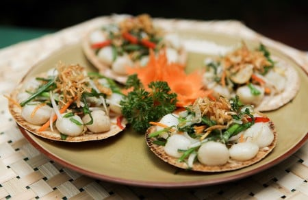 Grilled scallops with spring onion