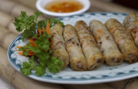 Fried springrolls with crab