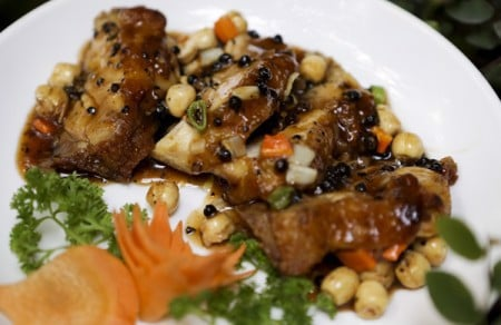 Grilled chicken breast with lotus seed
