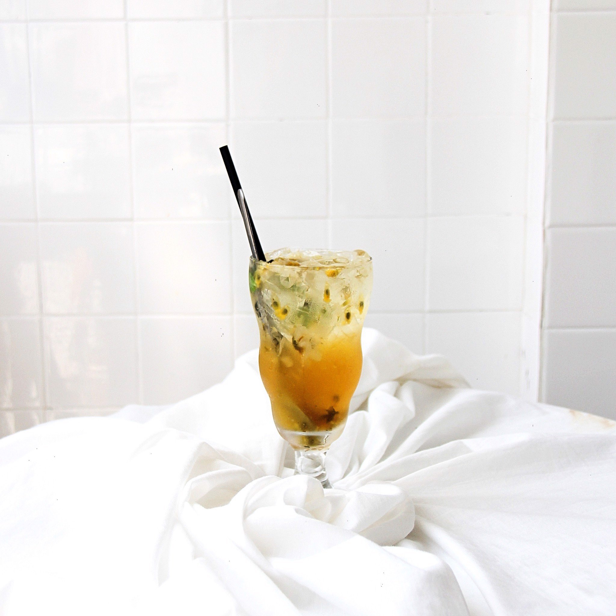 Drinks/ Soda - Chamomile Iced Tea with Apple and Passionfruit
