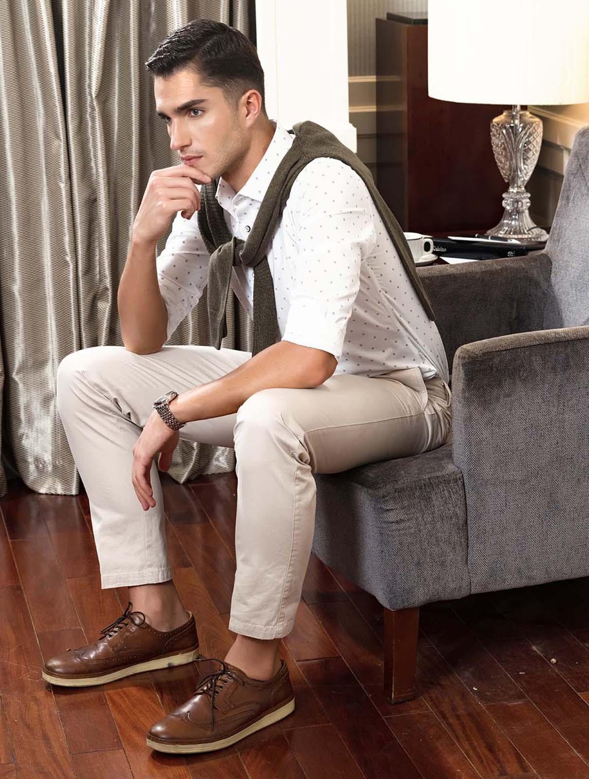 Áo sơ mi nam trắng in họa tiết tay dài Aristino ALSW17-BA17