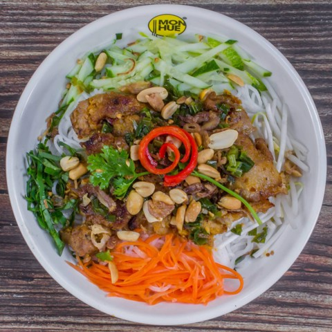 NOODLES SALAD WITH BBQ PORK