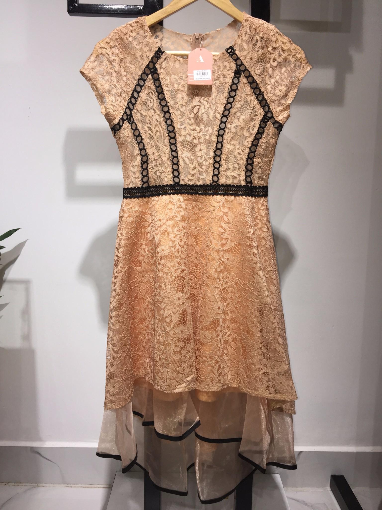 Đầm ren viền đen