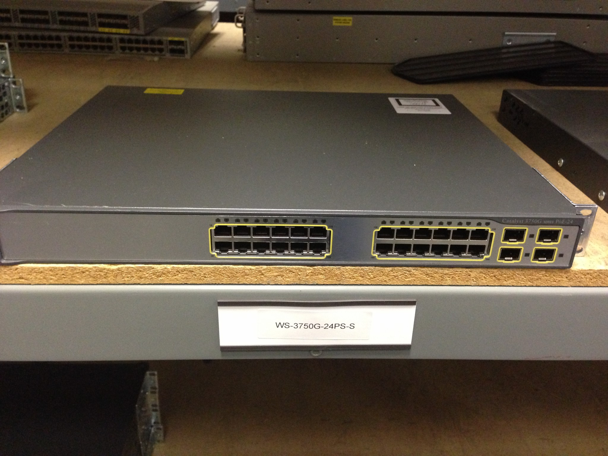 Switch Cisco WS-C3750G-24PS-S