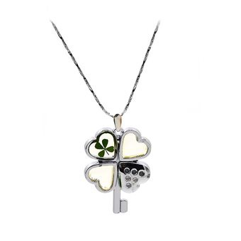 1 PC Lucky Four Leaf Clover Decoration Pendant Necklace Ladies Friends Women Accessories Metal Four Leaf Clover Style (Intl)