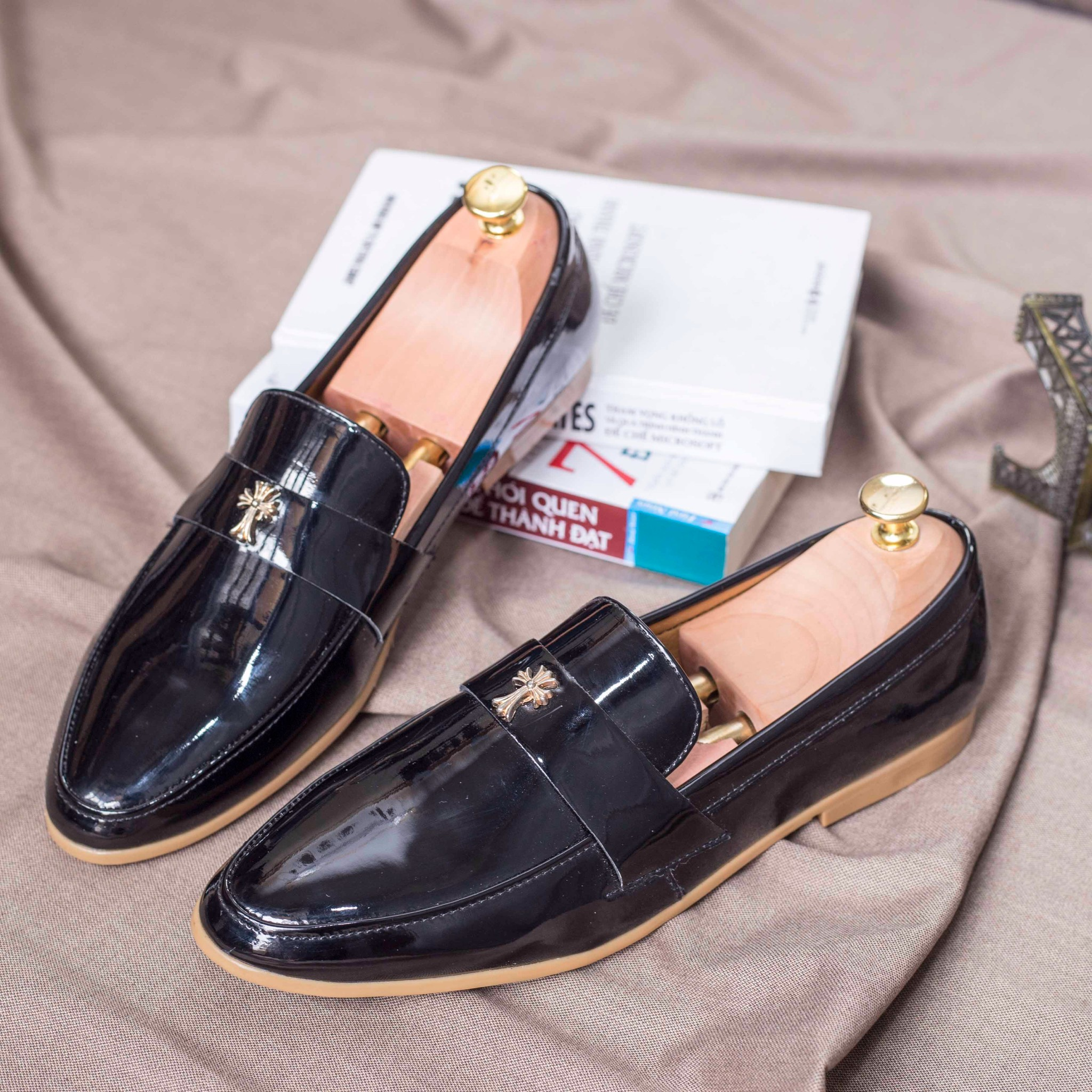 Giày Lười Nam Dior Thập Da Bóng (M95)