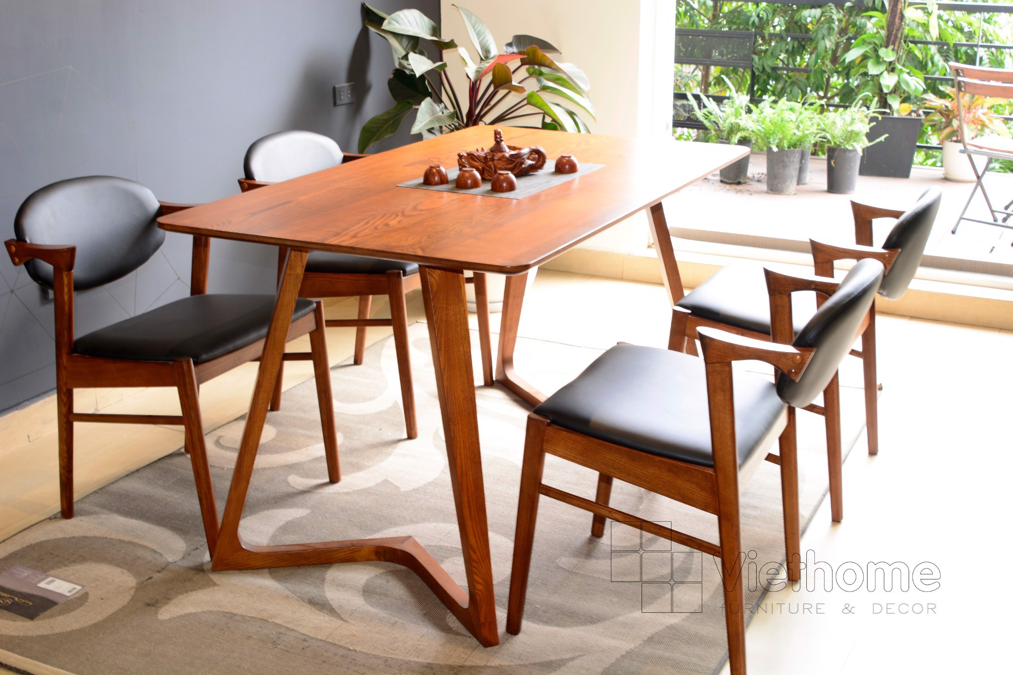 SET TTORE CHAIR & TABLE