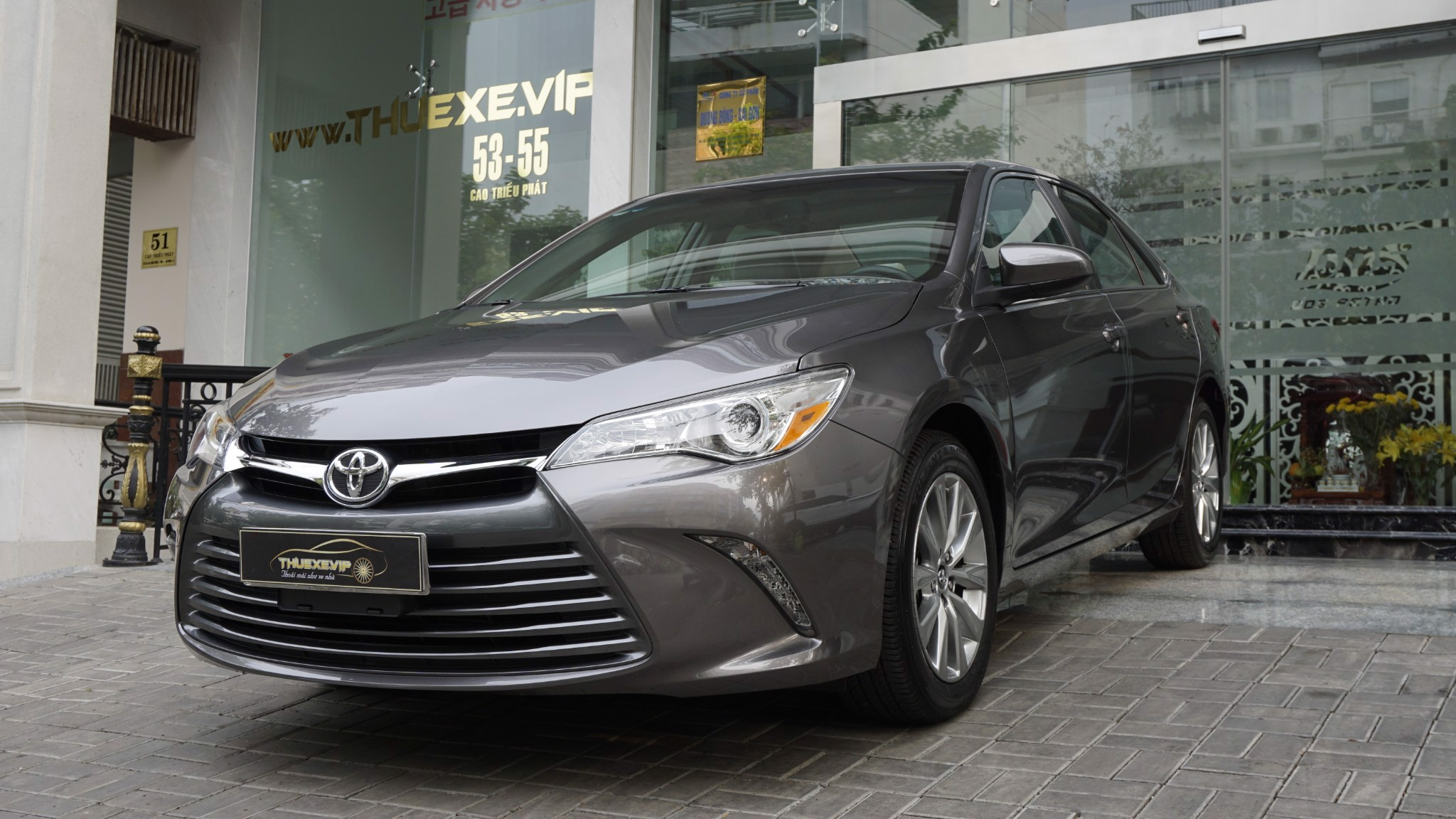 TOYOTA CAMRY XLE 2.5L - AIRPORT