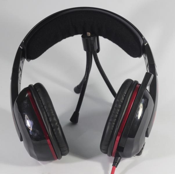 Trên tai có 1 triết áp để điều chỉnh âm lượng và 1 nút bấm để tắt/bật khả năng rung