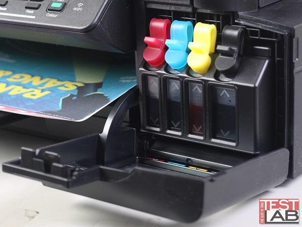 Hệ thống 4 hộp mực CMYK thiết kế tiện lợi để bơm và theo dõi