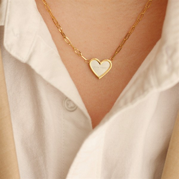 Golden Heart Necklace 02