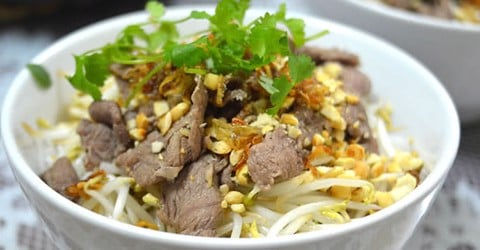 Bún bò nam bộ (dry beef noodle with peanut)
