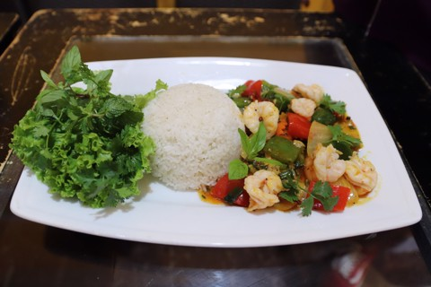Mực xào thập cẩm ( Stir fry squid with vegetable)