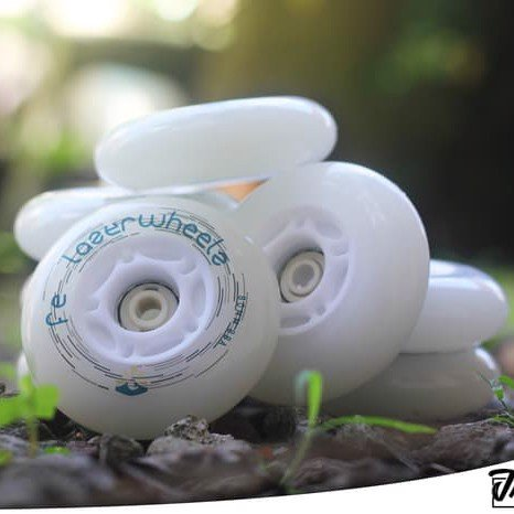Bánh Đèn Patin Flying Eagle Lazerwheels