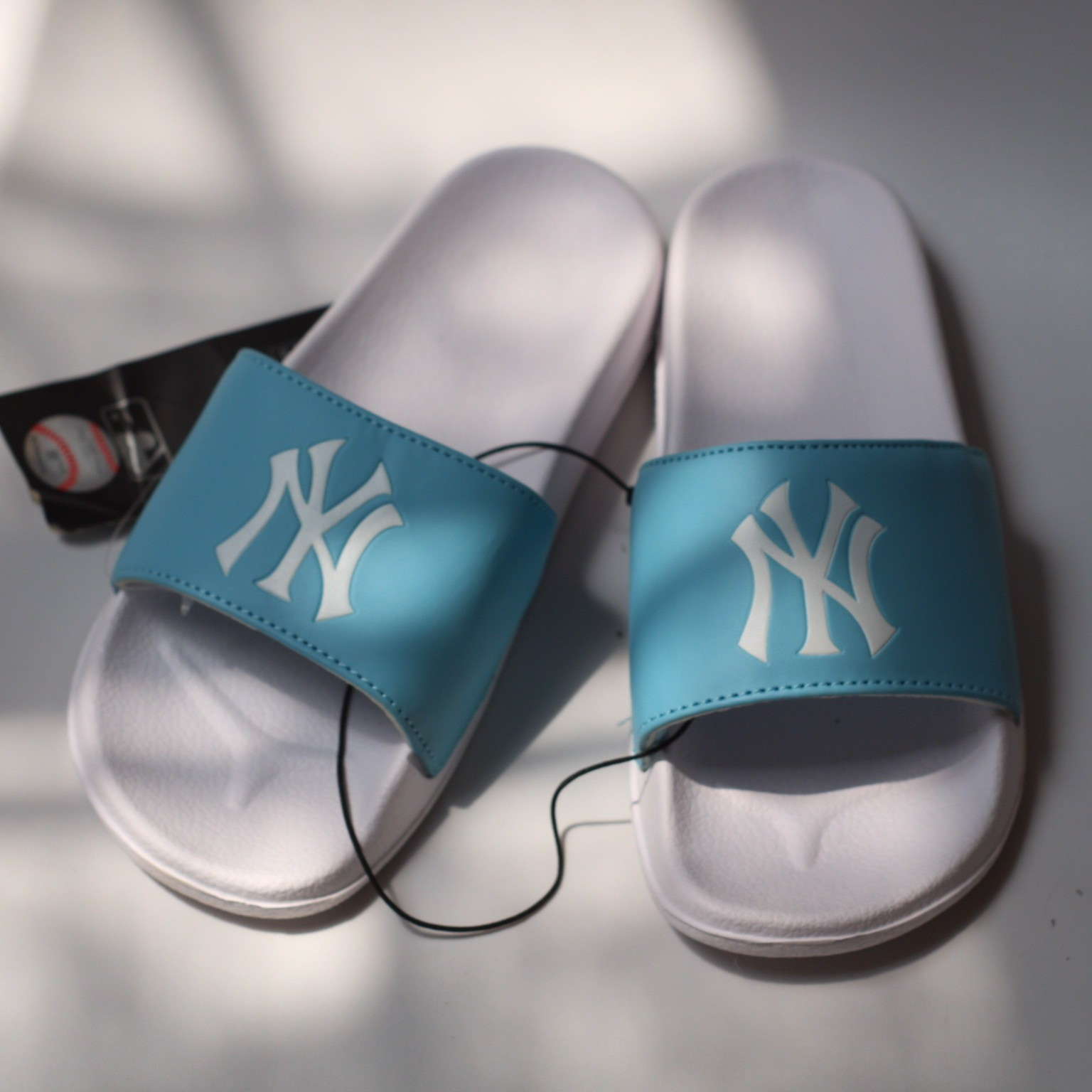 DÉP MLB AUTHENTIC NY LOGO SLIDES - BABY BLUE