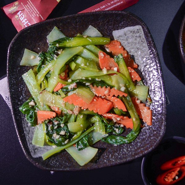 CẢI THÌA XÀO TỎI (Stir- Fried Chinese Cabage With Garlic)