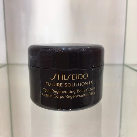 <p> - Kem dưỡng thể Shiseido Future Solution LX Total Regenerating Body Cream