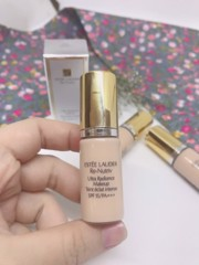 Kem Nền Estee Lauder Re-Nutriv Ultra Radiance Makeup 2C0 Cool Vanilla 5ML