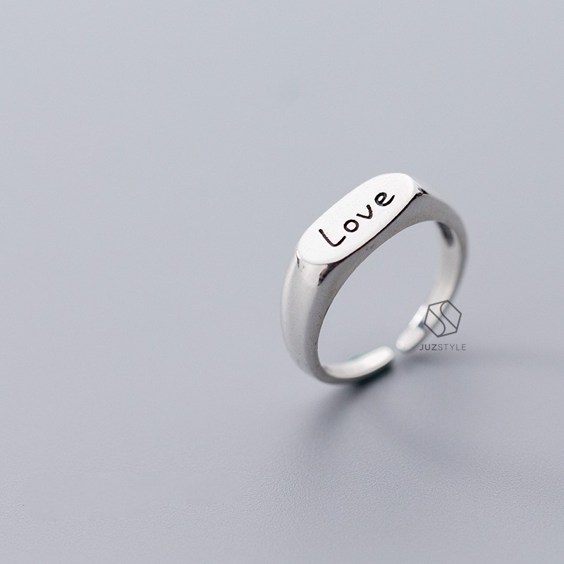 Nhẫn bạc Oval signet with Love Engraving
