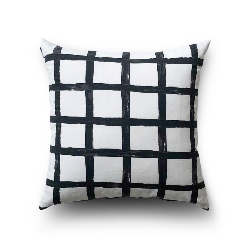 Cushion cover 45 Large black grid