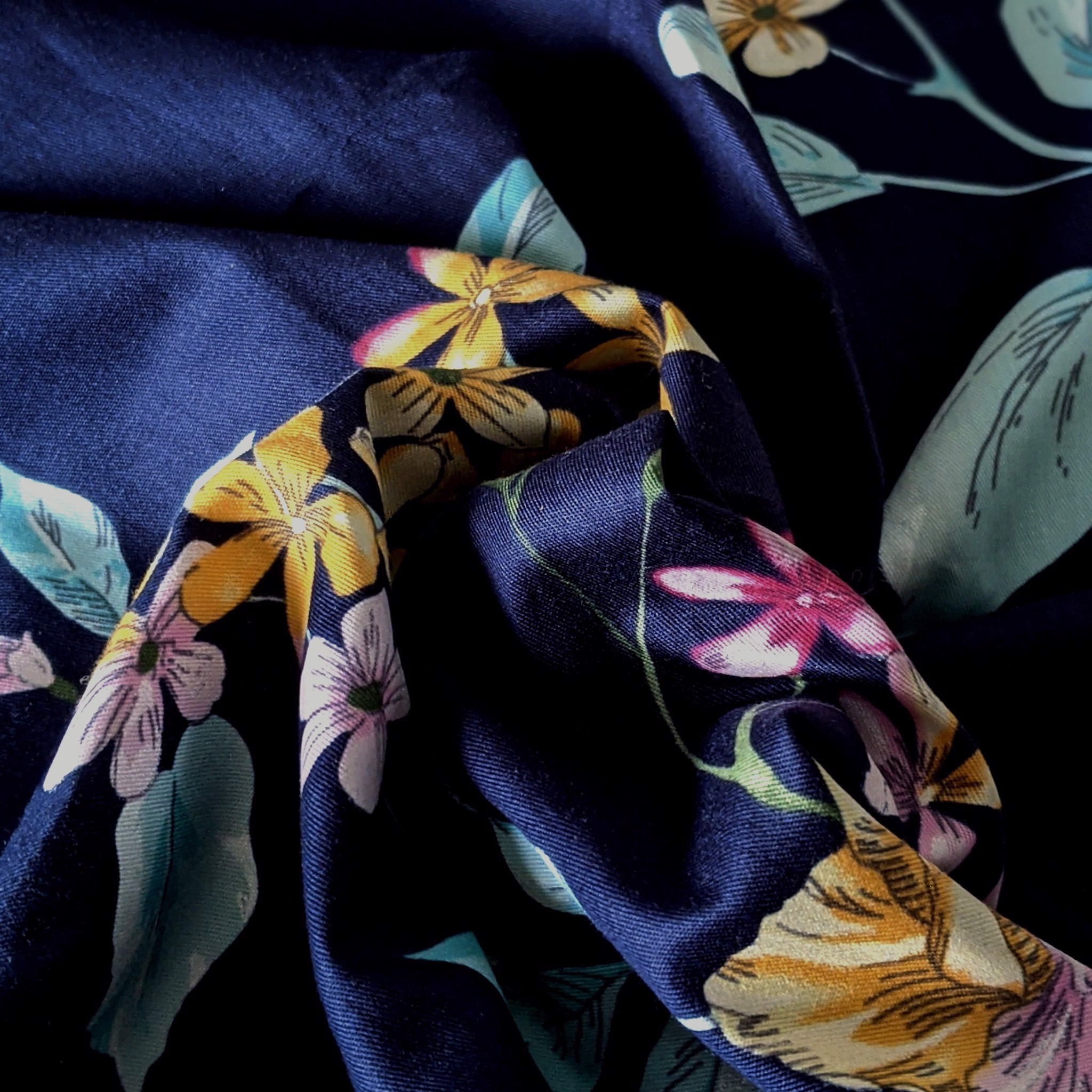 Pillow case 261 Flowers on nayvy blue