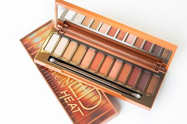 Bảng phấn mắt Naked Heat Urban Decay