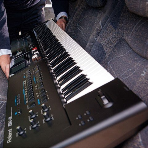 ROLAND BK-9 PORTABLE KEYBOARD