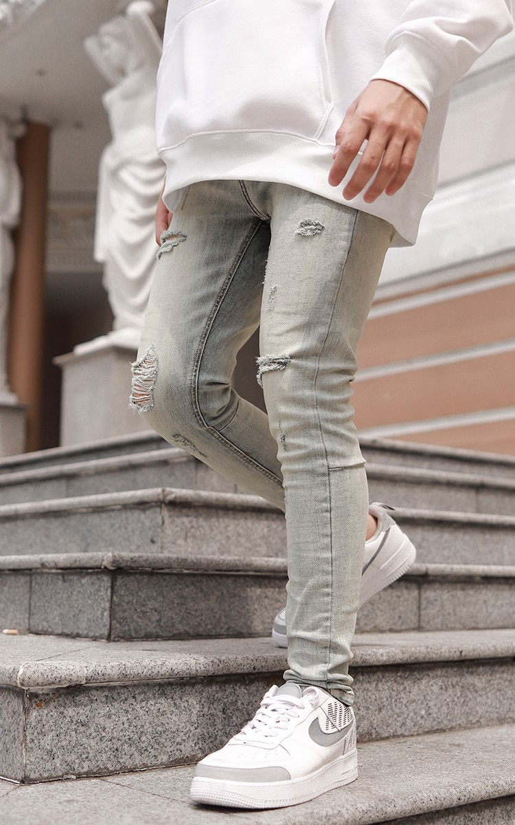 Distressed Skinny Jeans With Zipper In Vintage Dirty Wash Blue