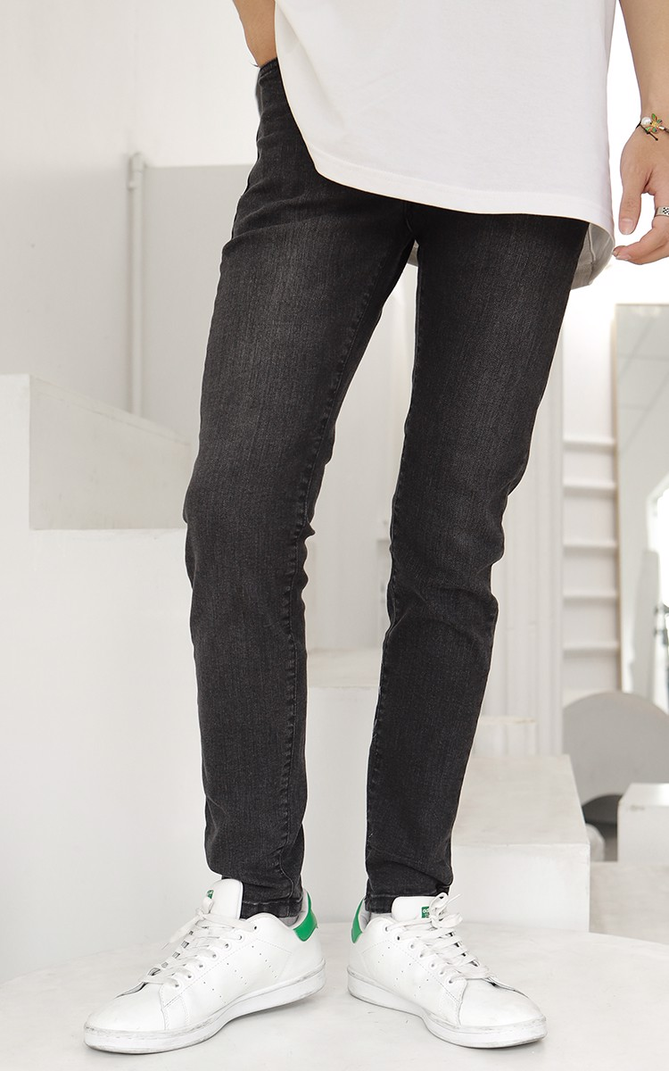 Skinny Jeans In Mid Wash Grey