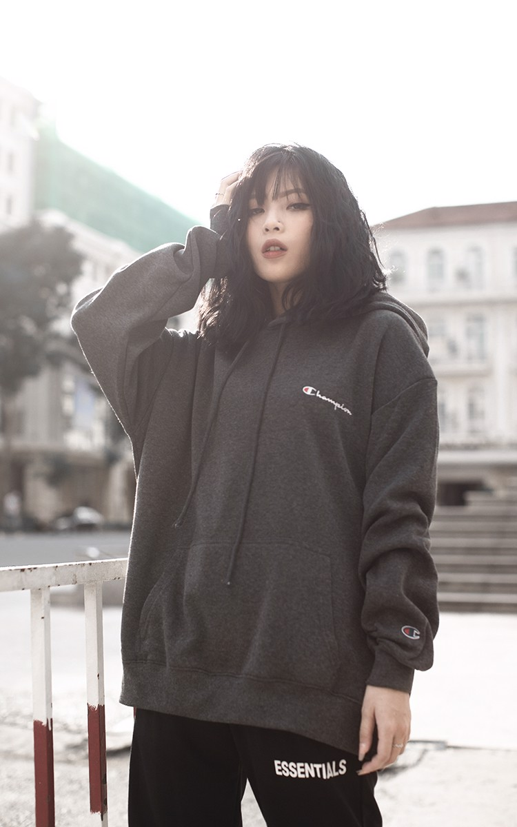 Champion Embroidered Logo Hoodie In Dark Grey