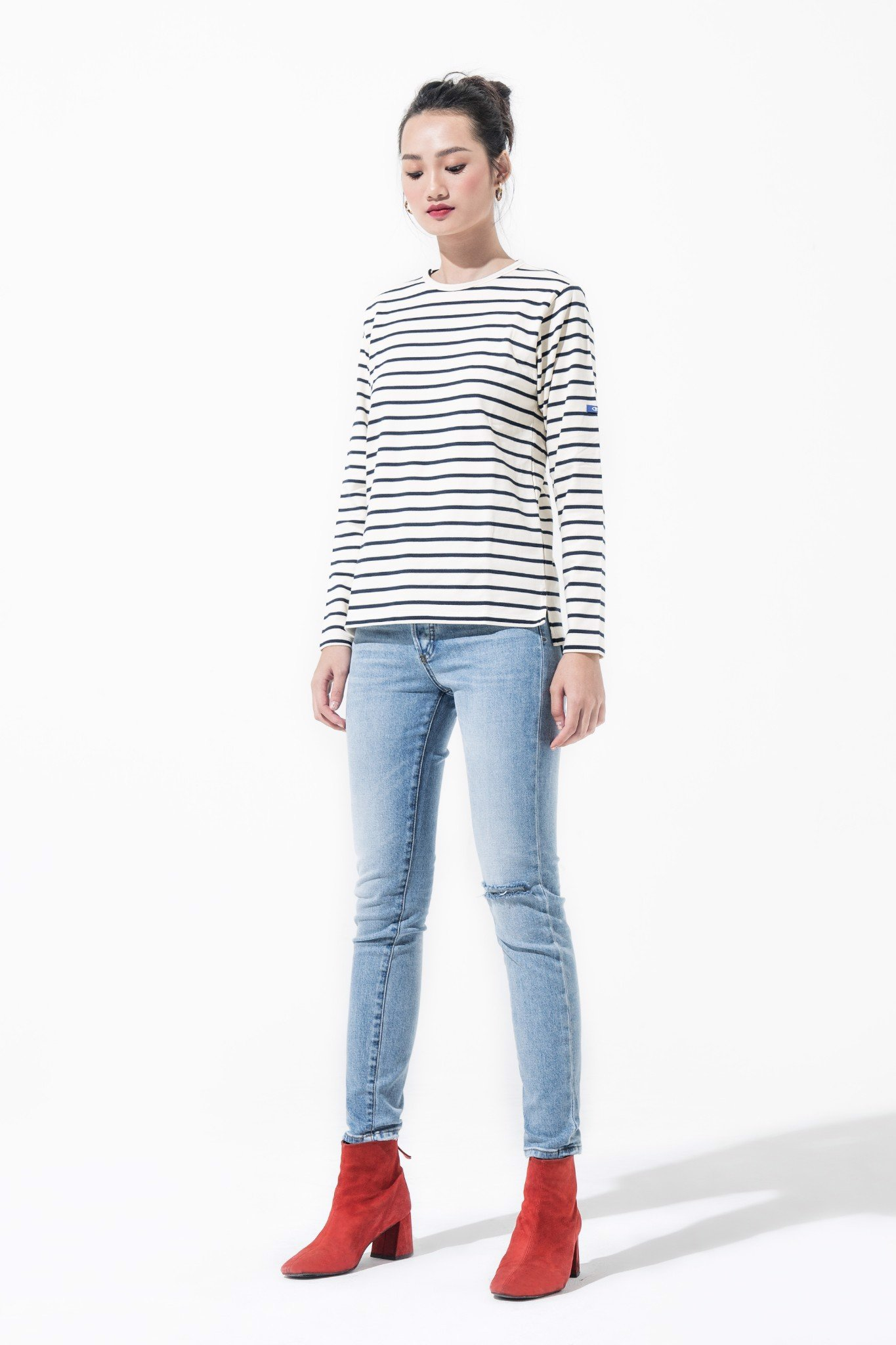 TRUE SHAPING JEANS - RIPPED LIGHT WASH