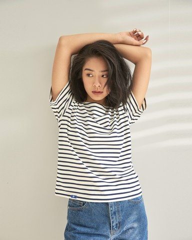 New Classic Short Sleeve BlueT - Cream / Navy Stripe