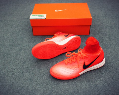 NIKE MAGISTAX PROXIMO II KIDS IC TOTAL CRIMSON/BLACK/UNIVERSITY RED