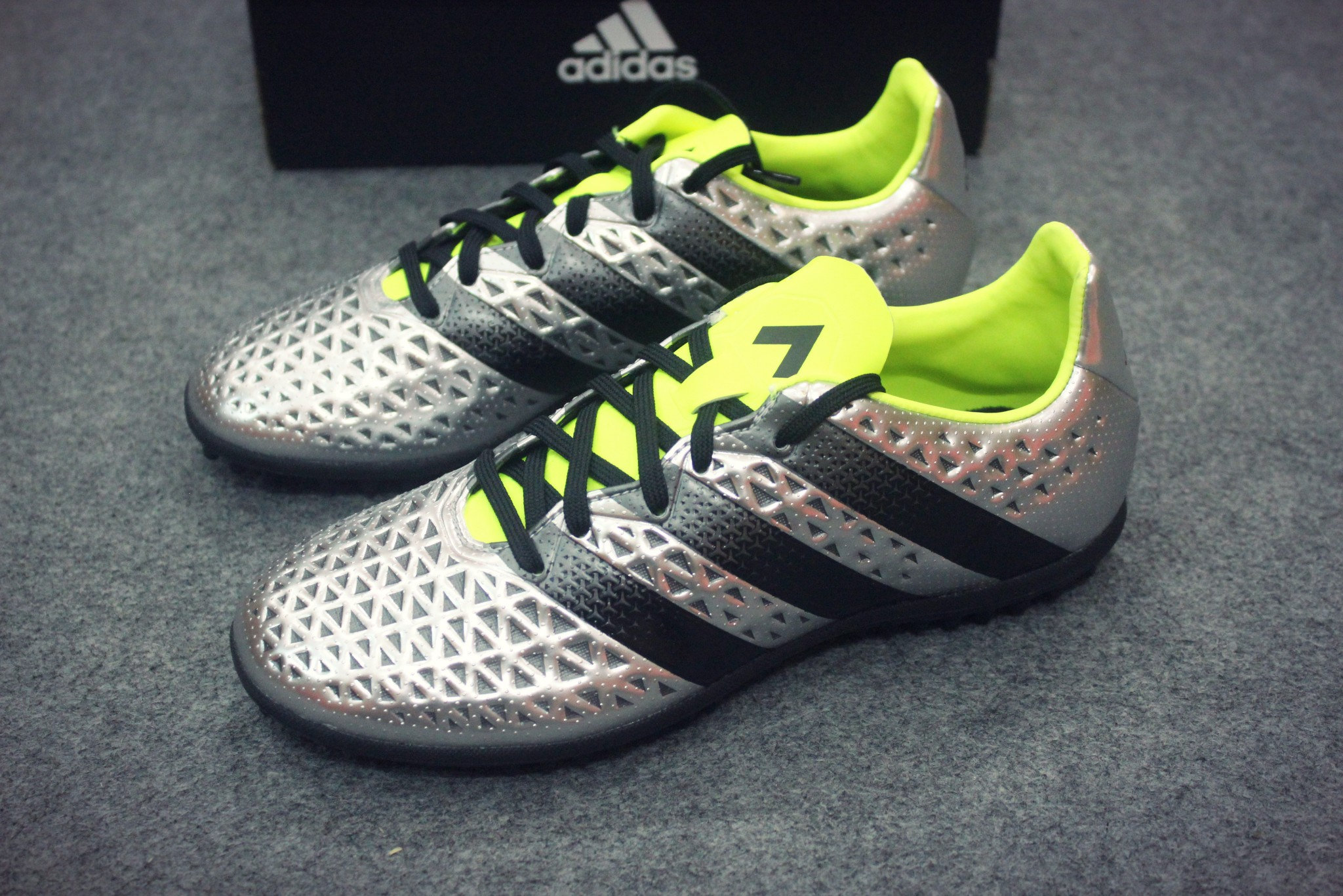 uk availability 9f034 5f9fc best price adidas ace 16.3 tf 52934 07562
