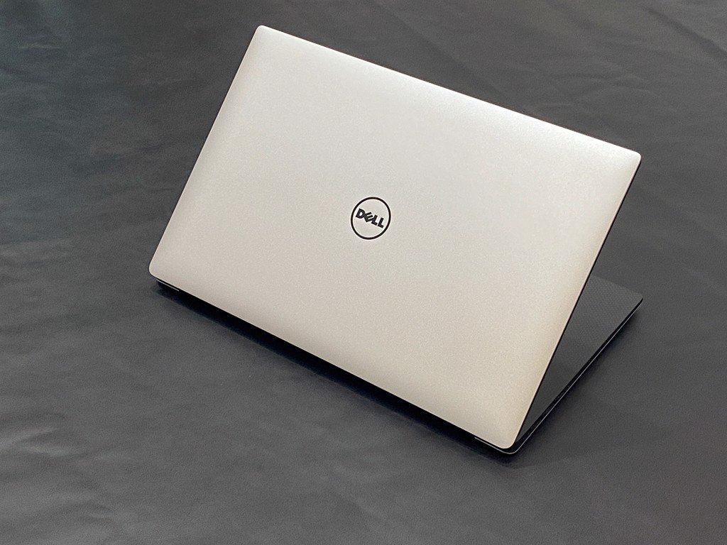 Dell M5510 Core i7-6820HQ, Ram 16G, SSD 512GB, M1000M , 15.6 4K