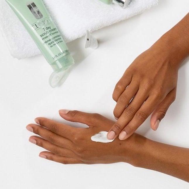 Tẩy Tế Bào Chết Mặt Clinique 7 Day Scrub Cream Rinse-Off 100ml
