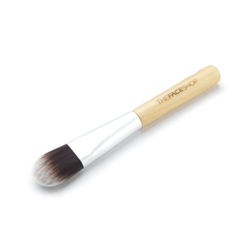 thefaceshop-daily-beauty-tools-foundation-brush